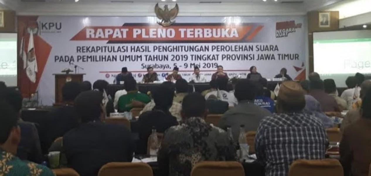 Banyak Kecurangan, Saksi Prabowo-Sandi Tolak Tandatangani Rekapitulasi Suara di Jatim