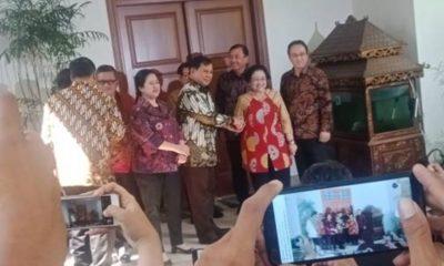 Megawati Sambut Prabowo Di Teras Rumah