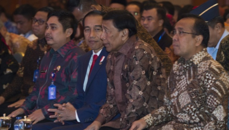 Wiranto Jangan Dorong-dorong Jokowi untuk ke Papua