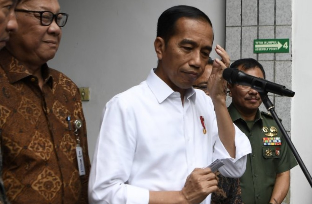 Presiden Jokowi Sebut Wiranto Ditusuk Pisau Oleh Teroris