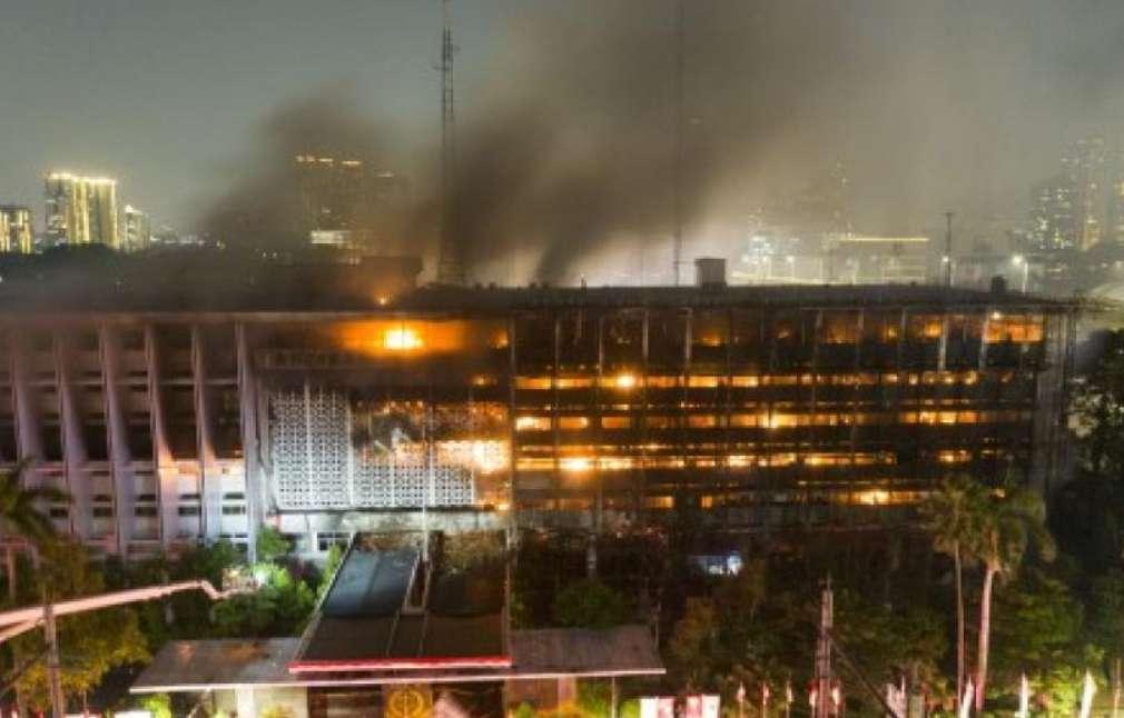 Polri Sebut Open Flame Sebagai Penyabab Kebakaran Gedung Kejagung