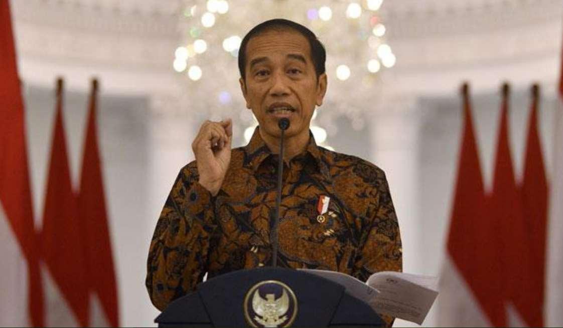 Belum Dipublikasi, Draf Final Omnibus Law Masih Dibaca Jokowi