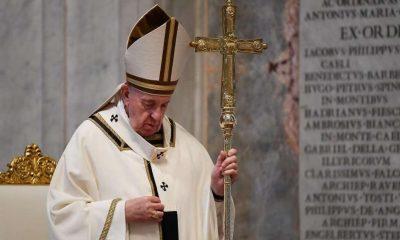 Paus Fransiskus Dukung Aturan Pasangan Gay Untuk Berkeluarga